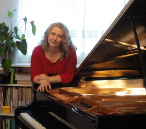 Stanislava Deltcheva at her piano